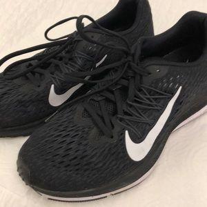 Nike Zoom Winslow 5